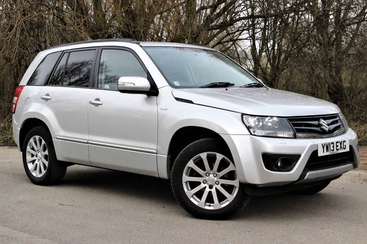 Suzuki Grand Vitara 1.9 DDiS SZ5 5dr, SAT NAV, FULL LEATHER Four Wheel Drive Diesel Silky Silver Metallic at Suzuki UCL Milton Keynes